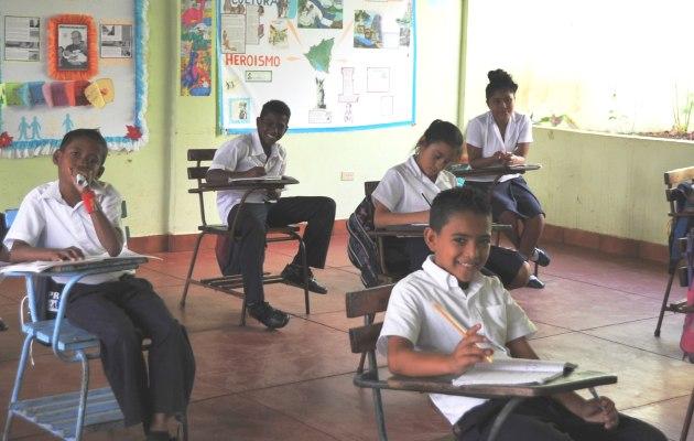 Schoolschoenen kinderen familiehuis Nicaragua